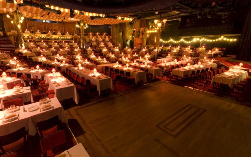 dinner show moulin rouge paris tickets moulin rouge paris paris cabaret tickets online. Black Bedroom Furniture Sets. Home Design Ideas